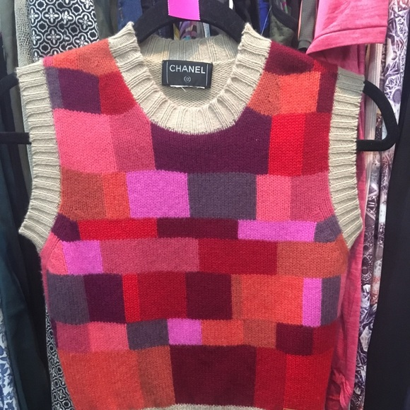 CHANEL Sweaters - Chanel sweater vest